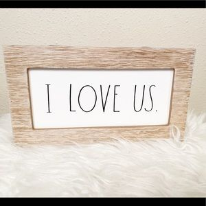Rae Dunn I LOVE US Sign